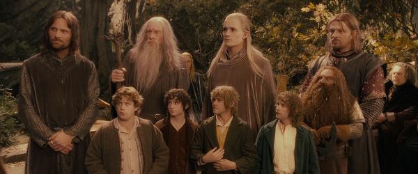 Los nueve personajes que forman la comunidad del anillo.