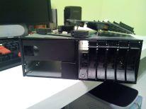 Otra foto de donde irán los discos duros.